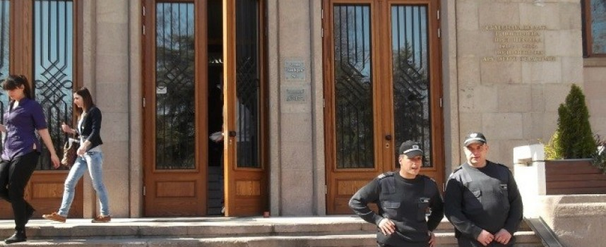 Гина Бошева със забрана да влиза на заседания по делото на Рачев