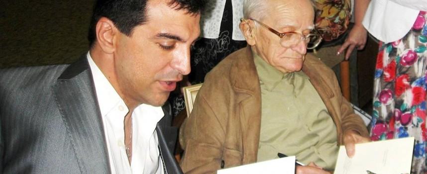 Валери Иванов се върна с награда от Казанлък