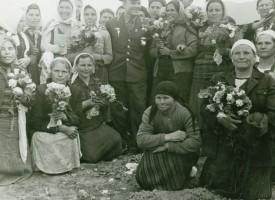 Държавен архив – Пазарджик издирва жените снимани с Гагарин през 1961 година