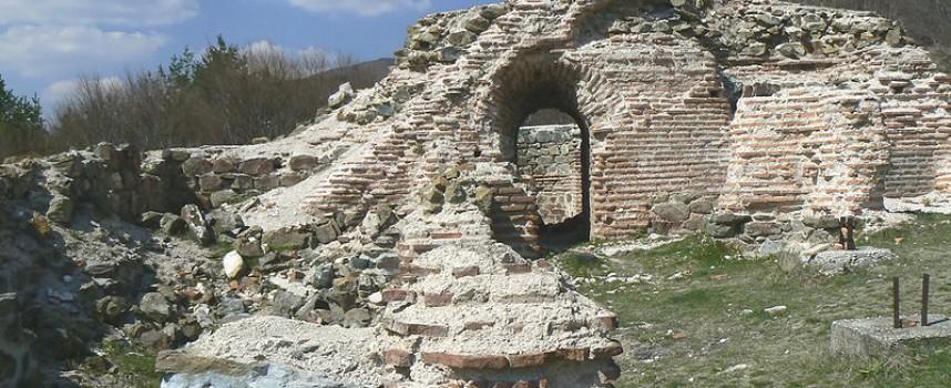 Съботни маршрути: Крепостта Траянови врата ще ви върне към славата на цар Самуил