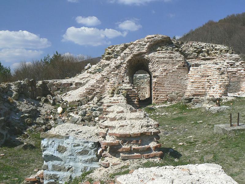 27Trayanovi-vrata-left-arch-3