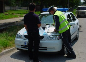 """След проверка: Мъж без книжка на мотопед в Дорково и """"друсан"""" в джип в Пазарджик"""