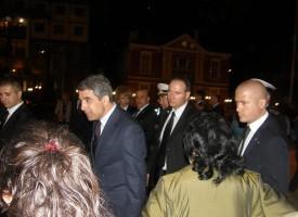 Родителите на Петьо връчиха петицията на президента Росен Плевнелиев