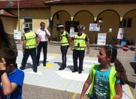 """Деца от """"Проф. И.Батаклиев"""" участваха в състезание по пътна безопасност"""