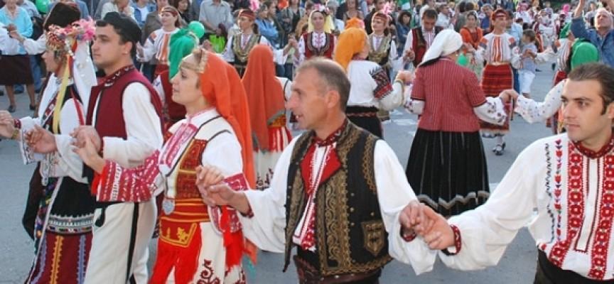 Днес: Празникът на Пещера започва с литургия и свършва с концерт на Васил Найденов