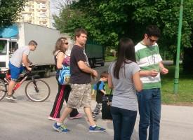 ГЕРБ – Пазарджик раздаде на шофьорите стикери с призив да пазят детския живот на пътя