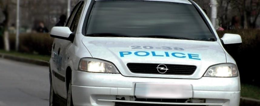 Велинградчанин нападна полицаи с моторна резачка