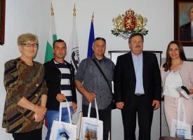 В Пещера: Пристигнаха ансамблите от Македония, Босна и Херцеговина