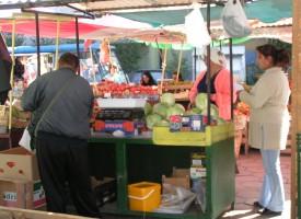 Инспектори по храните започват проверки по пазарите и тържищата