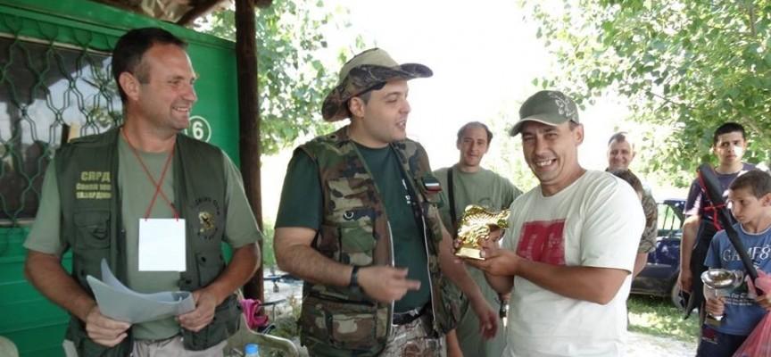 Губернаторът връчи награди на риболовците от турнира край Звъничево