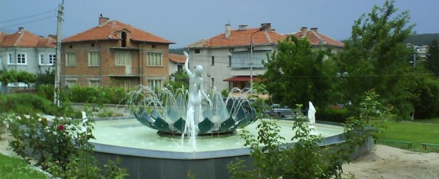 Живеем предимно в града, Стрелча е най-малката община