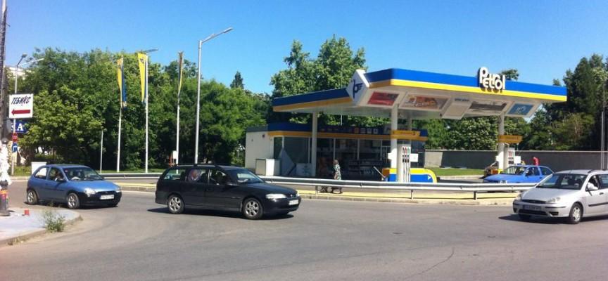 """Слагат светофарна уредба на кръстовището до болница """"Здраве"""""""