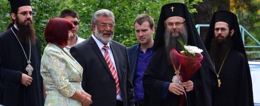 """Дядо Владика освети камбаната на """"Св. Андрей Първозвани"""""""