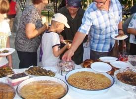 Познатите непознати: Кюнефе и реване за Шекер Байряма приготвят в турските махали