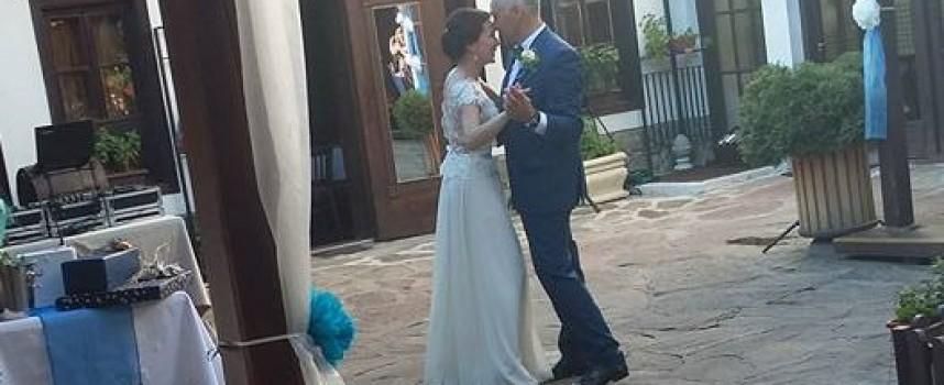 Светска хроника: Общинският съветник Димитър Петков вдигна сватба