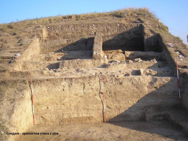 12unacite - krepostna stena
