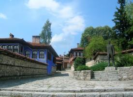 Община Пазарджик осигури транспорт на самодейците до събора в Копривщица