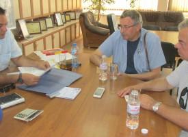 Предприемачите връчиха протестна декларация на губернатора