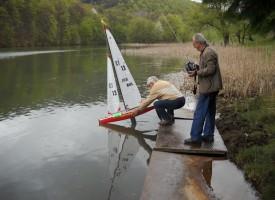 Корабомоделен спорт: Успешен старт на Държавното с дванадесет медала