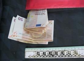 Задържаха пазарджиклия и двама пловдивчани с 75 000 евро