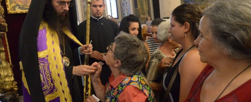 Знеполският епископ Арсений служи на Успение Богородично в Пазарджик