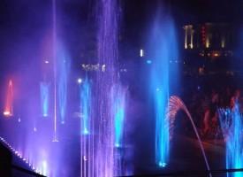 ТОП ИДИОТИ: Панагюрци хвърлят пробити консерви с риба в градския фонтан