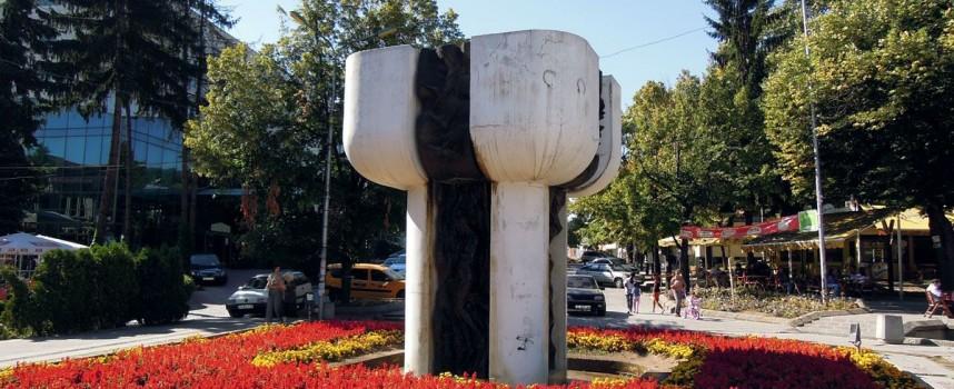 Изтръгнали банкомата във Велинград със стоманено въже