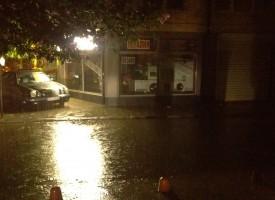 Днес и утре: Синоптиците прогнозират над 35 л. на квадрат за Пазарджик, има наводнени мазета и магазини