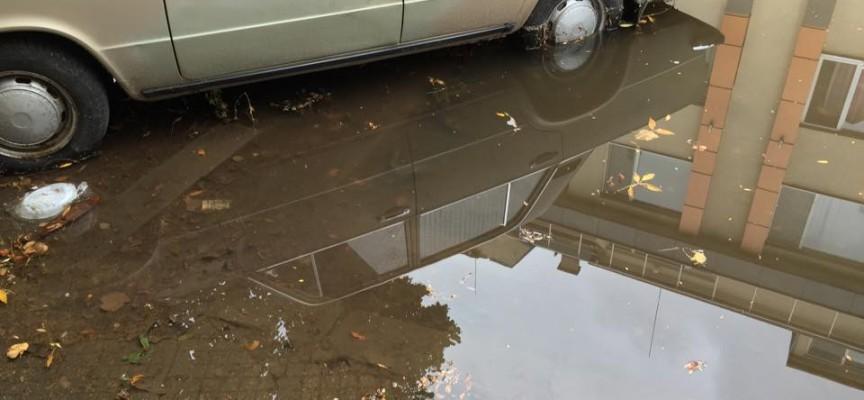 """Дъждът наводни """"Дойран"""" в Пазарджик"""