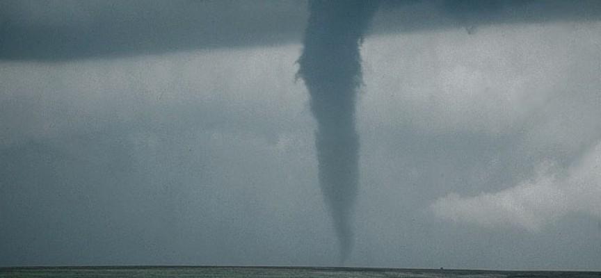 Торнадо се изви над Черногорово