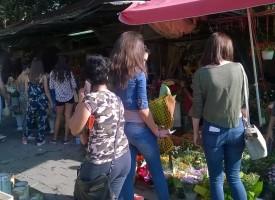 На пазара: Цветята традиционно поскъпнаха и свършиха