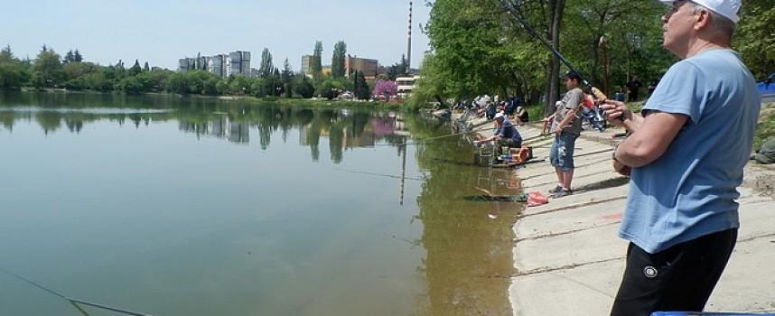 Деца с увреждания ще се състезават по спортен риболов на Панчаревското езеро