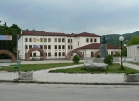 Към 12 часа: Първенци в гласуването са в Стрелча с 43% даден вот