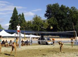 На Острова: Започнаха финалите на турнира по плажен волейбол