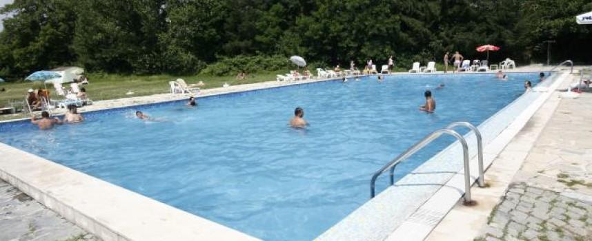 Откритият плувен басейн в Стрелча приключва сезона