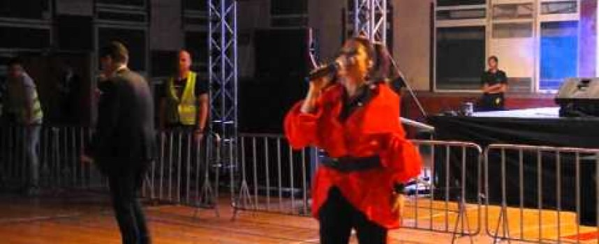 """Невероятен концерт разтърси снощи Пазарджик, зала """"Васил Левски"""" бе препълнена"""