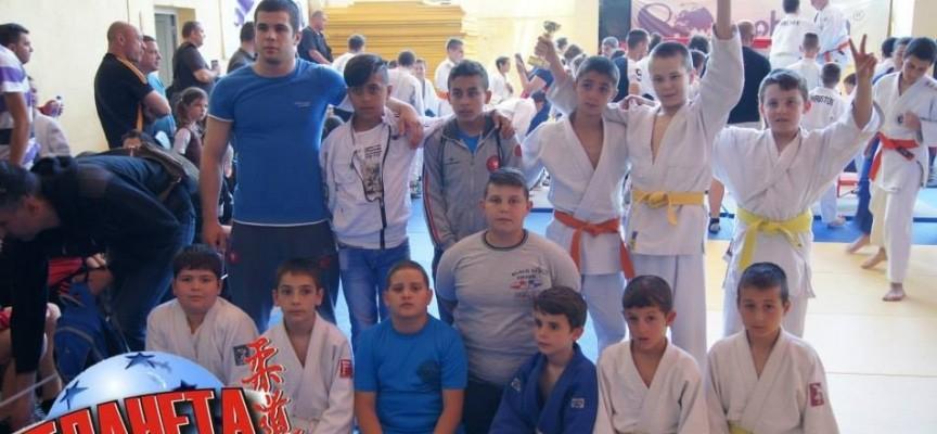 Седем медала за пазарджиклии на международен турнир по джудо
