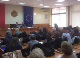 Представители на ЦИК проведоха обучение на членове на общински избирателни комисии в областта