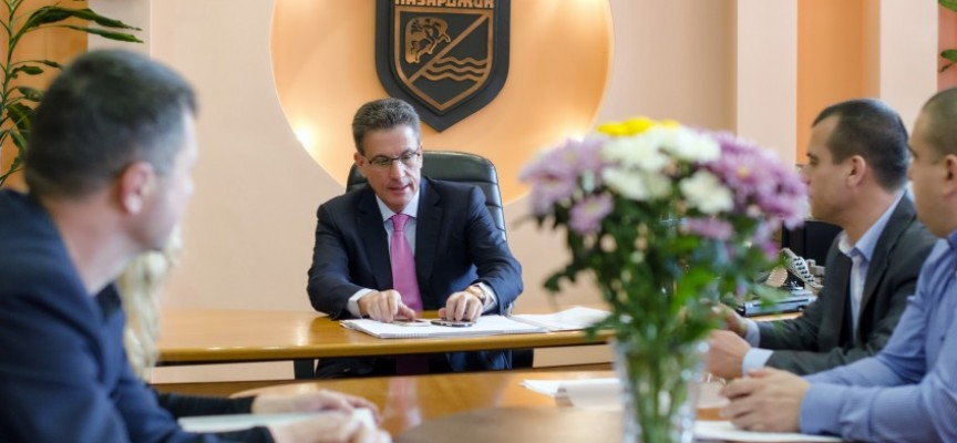 Тодор Попов се среща с кметовете на Пищигово и Хаджиево, и с директори на три школа