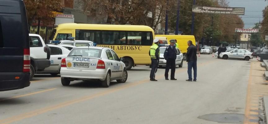 620 полицаи охраняват реда, изборният ден протича нормално