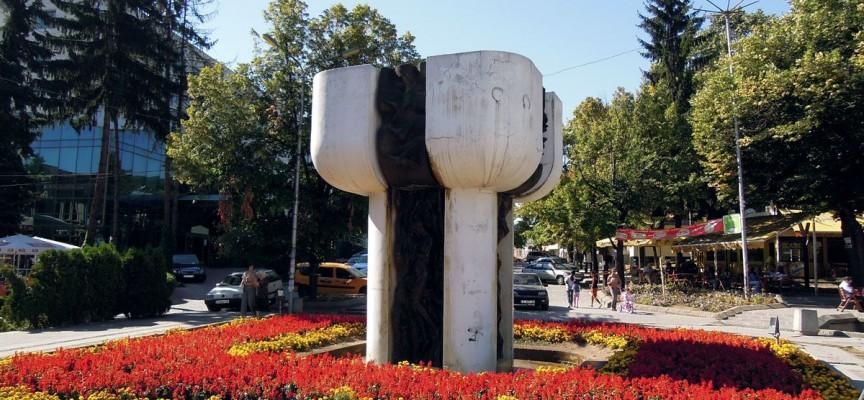 Във Велинград: Неизвестен разби павилион за закуски
