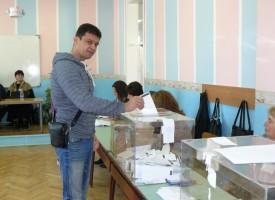 """Плевнелиев насрочи """"Референдума на Слави"""" за 6 ноември"""