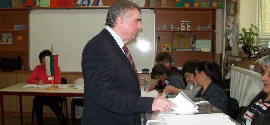 Стоян Парпулов: Гласувах за по-добро бъдеще на общината, с повече усмихнати млади хора