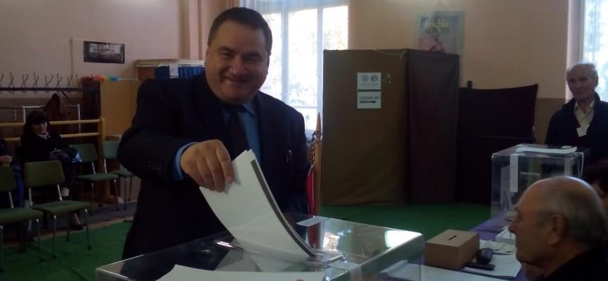 Благо Солов: Гласувах ЗА референдума и раздялата с корумпираните политици