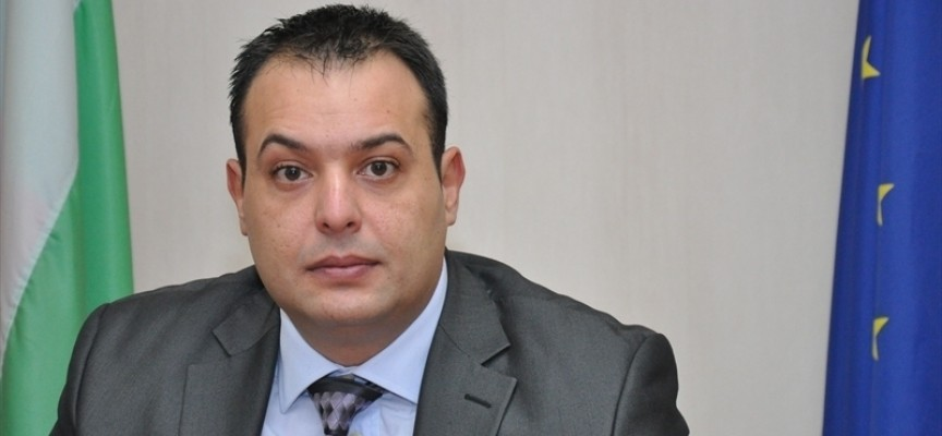 УТРЕ: Първи се заклеват кметове и съветници в Батак, Септември и Сърница