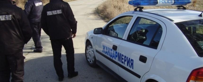 Ихтиманец пробва да подкупи пътни полицаи край Огняново