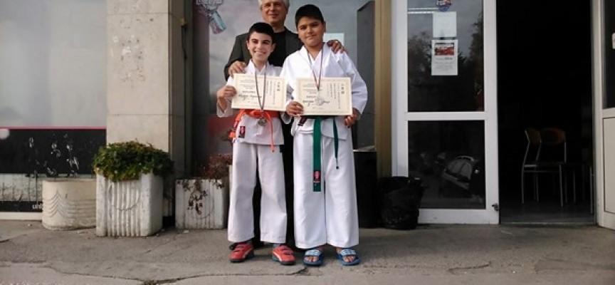 """Два медала за Пазарджик от каратеките на """"Тонус спорт"""""""