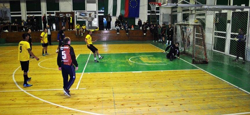 Започнаха заявките за коледния турнир по футзал