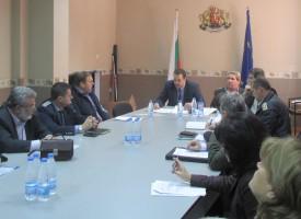 Общини и институции докладваха на областния управител Трендафил Величков готовността за зимното поддържане