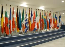 В 16 часа: Европарламентът почита жертвите в Париж